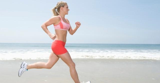 mulher-correndo-da-praia-1387393816604_956x500
