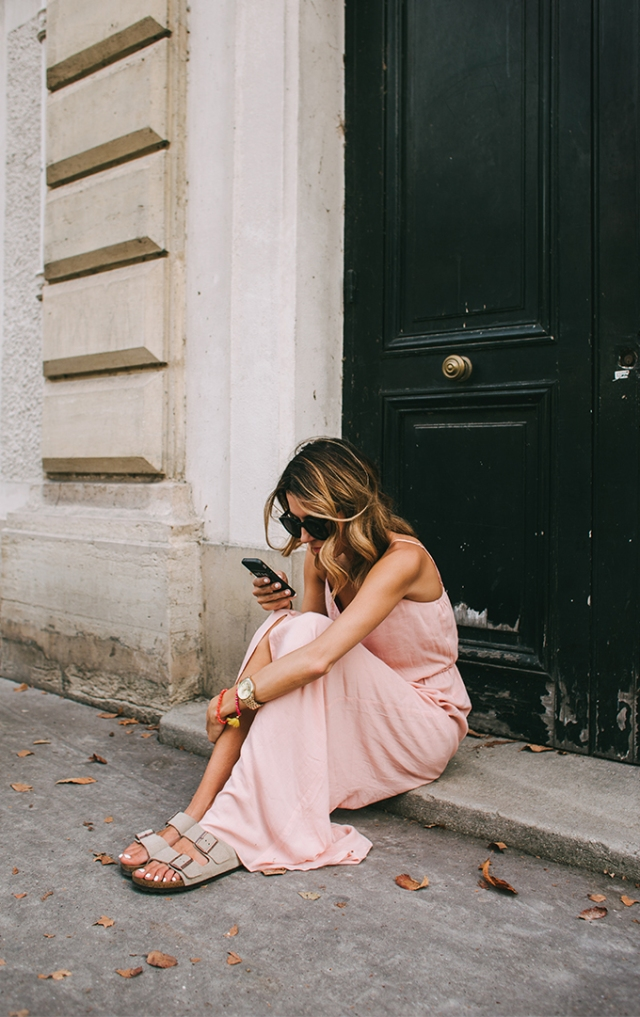paris_cell_phone_pic_hello_fashion
